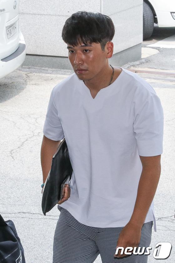 [사진]고소인 자격 경찰 출석하는 BMW피해자모임 이광덕씨