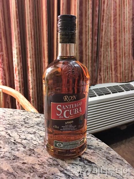 쿠바의 럼주 산티아고 데 쿠바(SANTIAGO de CUBA)./사진=이호준 여행작가