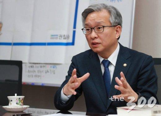 2017.12.15 권칠승 더불어민주당 의원 인터뷰