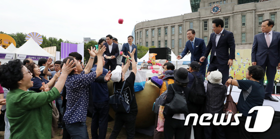 [사진]박원순 시장 '풍요로운 한가위 준비하세요'