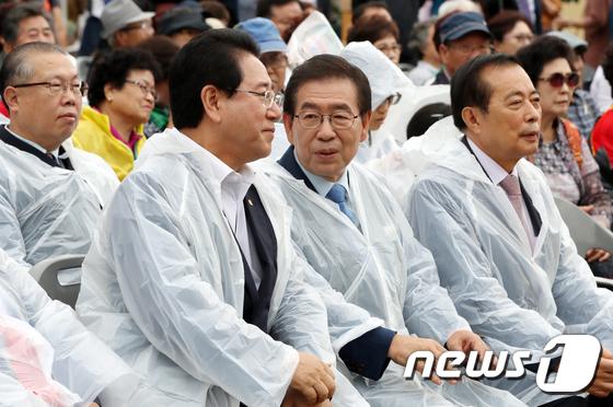 [사진]대화 나누는 김영록 지사·박원순 시장