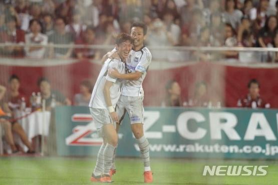 일본 J리그에서 활약 중인 황의조(26)가 지난 15일 결승골을 터뜨리며 팀의 승리를 이끌었다. /사진제공= 뉴시스