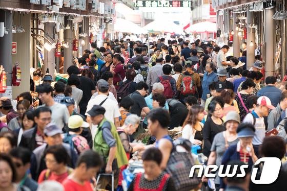 [사진]추석 대목 맞아 붐비는 전통시장