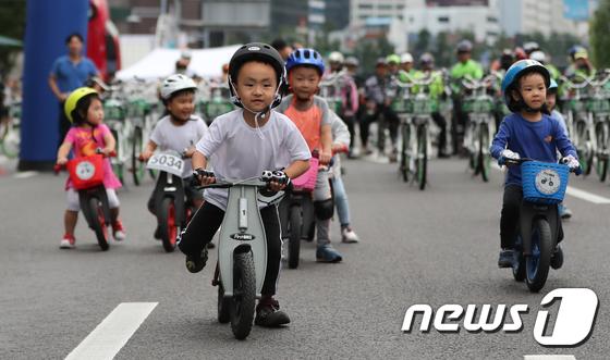 [사진]'차 없는 거리를 달리다'