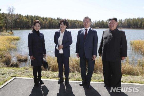 이재용·최태원·박용만, 삼지연에서 김정은과 '작별주' 나눠