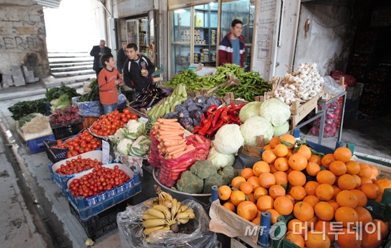 과일‧채소가게 풍경./사진=이호준 여행작가