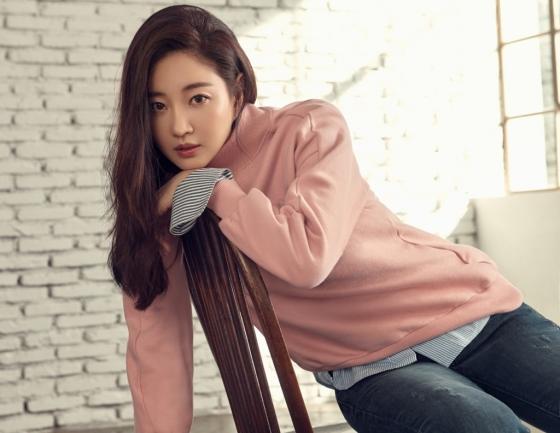 배우 김사랑/사진제공=리쿠퍼(leecooper)
