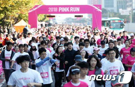 [사진]'핑크빛 질주'