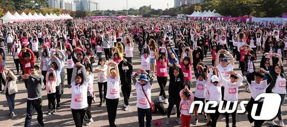 [사진]여성건강 마라톤 '2018 핑크런'