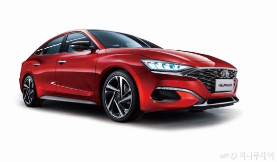 현대자동차가 중국 시장을 공략하기 위해 출시한 스포티 세단 '라페스타'/사진제공=현대차