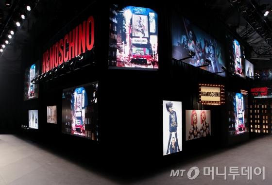 H&M x 모스키노 콜라보레이션 패션쇼장 전경/사진제공=H&M