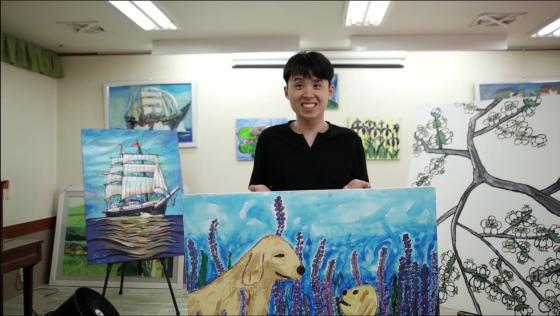 디스에이블드, 발달장애인 예술가 성장을 지원