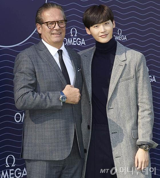 오메가 장 끌로드 모나숑 부사장, 배우 이종석/사진제공=오메가