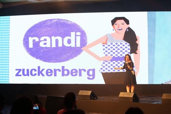 랜디 주커버그가 9일 부산 웨스틴조선호텔 그랜드볼룸에서 열린 스타트업 컨퍼런스 '2018 글로벌 스타트업 써밋'에서 강연을 하고 있다. / 사진제공=중소벤처기업부