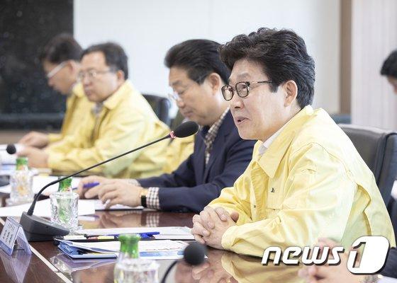 [사진]당진화력발전소 방문해 미세먼지 저감 이행 상황 점검하는 조명래 장관