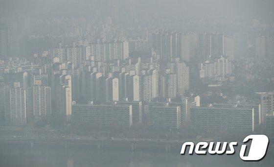 [사진]휴일 아침 불청객 '미세먼지'
