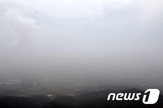 [사진]미세먼지 속 도시