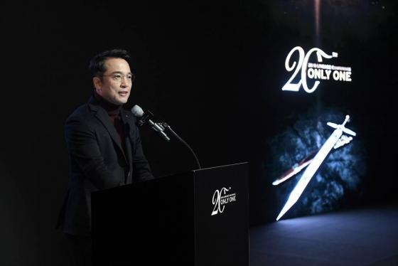 리니지 20주년 간담회에서 발표하고 있는 김택진 엔씨소프트 대표./사진=엔씨소프트