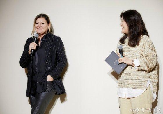 디자이너 로레나 안토니아찌와 스타일리스트 한혜연 /사진제공=로레나 안토니아찌
