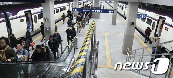 [사진]이용객 4천만명...SRT, 시민의 발이 되다