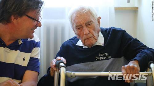 타인(의사) 조력 자살이 허용된 스위스로 '죽으러 왔던' 104세의 호주인 과학자 데이비드 구달이 지난 5월9일 한 진료소에서 뜻대로 생을 마감했다고 친 안락사 국제 단체인 '엑시트(출구) 인터내셔널'이 밝혔다. /사진=뉴시스
