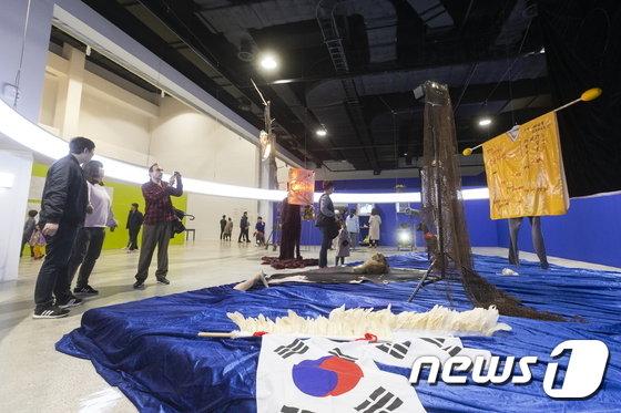 지난 9월8일~11월11일 개최된 2018 부산비엔날레 전시장 전경. /사진=부산비엔날레조직위원회, 뉴스1