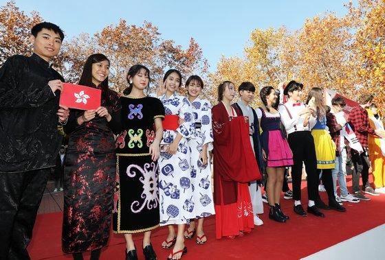 지난해 11월 서울 성북구 고려대학교에 재학 중인 외국인 학생들이 축제에 참여한 모습.(기사와 관계 없음) /사진= 뉴스1