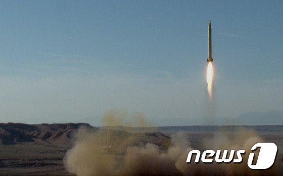 이란 혁명수비대의 탄도미사일 발사 시험 장면. © AFP=뉴스1