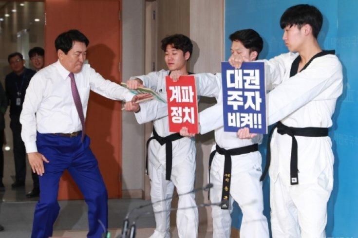'당권도전' 안상수, 계파정치 격파!