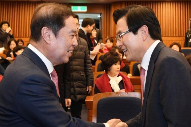 김병준-황교안 '어찌 됐든 악수부터...'