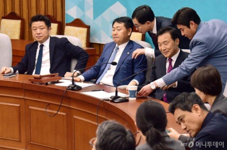 '선거제 패스트트랙' 바른미래당 긴급 의원총회