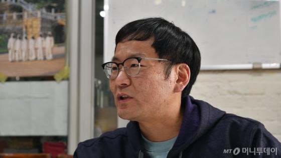지난달 20일 서울 성북구 녹색연합 사무실에서 만난 임태영 활동가는 사육곰들을 위한 생츄어리 건설의 필요성을 강조했다.