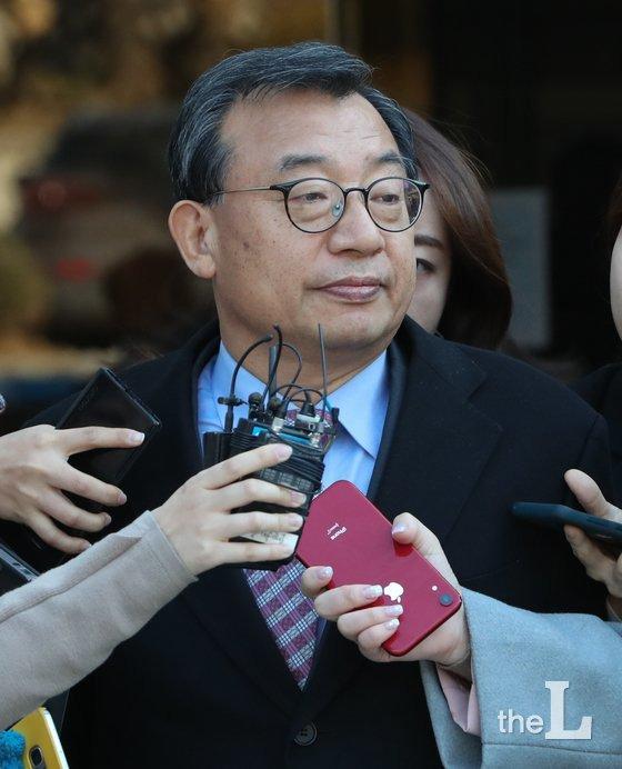 청와대 홍보수석 시절 KBS의 세월호 보도에 개입한 혐의로 재판에 넘겨진 이정현 무소속 의원./사진=뉴스1