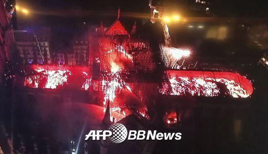 하늘에서 본 노트르담 대성당 화재./사진= AFPBBNews=뉴스1