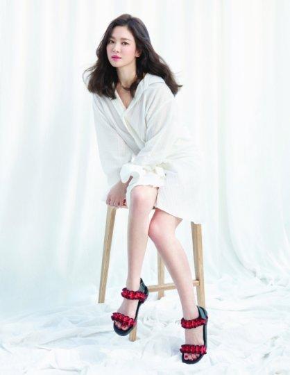 """송혜교 화보, 여름 대비 '슈즈' 스타일…""""화려하게"""""""