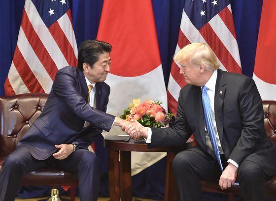 도널드 트럼프 미국 대통령과 아베 신조 일본 총리. /사진=뉴스1