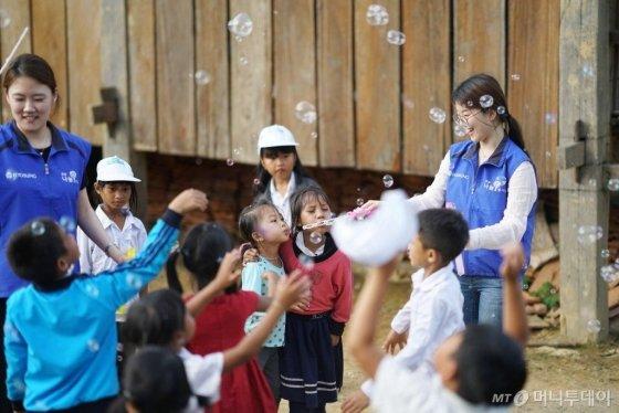 베트남 키다리아저씨 효성, 급여 나눠 학교를 선물하다 - 머니투데이 뉴스