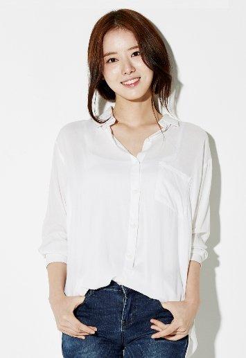 배우 한지선. /사진=제이와이컴퍼니 홈페이지 캡처