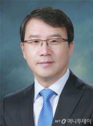 김동일 서울대학교 교육학과 교수·한국아동청소년상담학회 회장.
