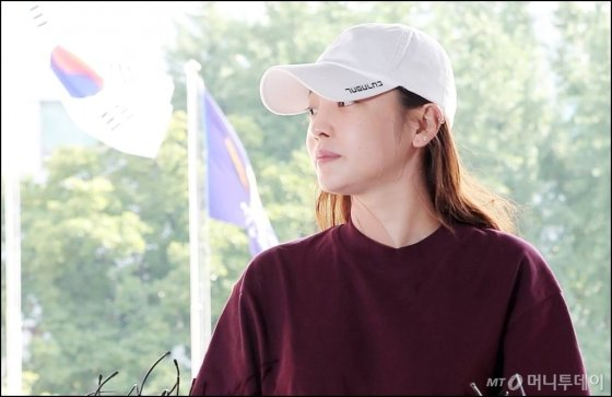 가수 구하라가 지난해 9월 강남경찰서에서 조사를 받기 위해 출석했다. 사진=김창현 기자 chmt@
