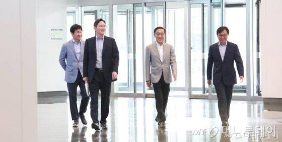 """'위기경영' 나선 이재용…""""수성 넘어 창업하는 각오로 도전해야"""" - 머니투데이 뉴스"""