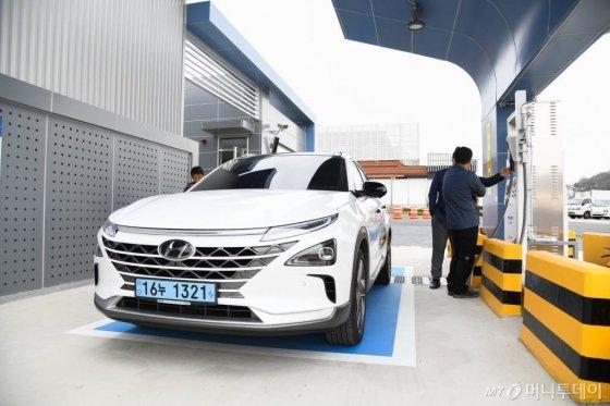 효성 '미래의 수소충전소', 코오롱 '수소전기차 핵심부품' 전시 - 머니투데이 뉴스