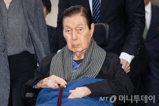 신격호 롯데명예회장 소공동 롯데호텔로 거소이전 - 머니투데이 뉴스