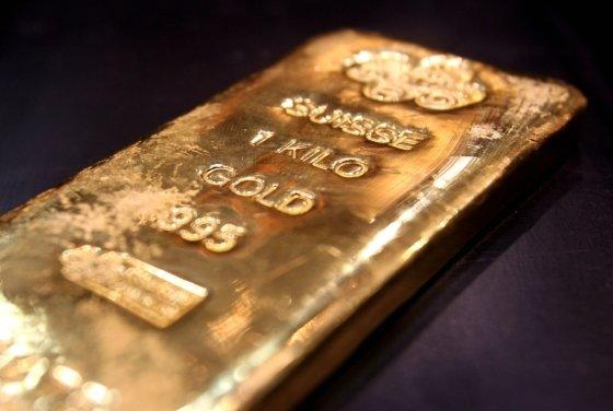 아랍에미리트(UAE) 두바이의 한 금은방에 전시된 1kg 무게의 금괴. /사진=로이터