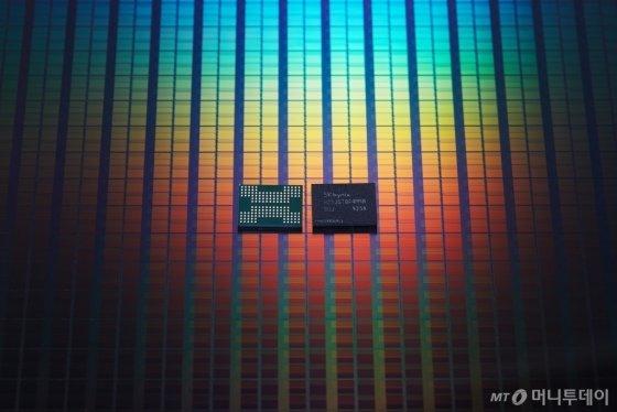 128단 1Tbit(테라비트) TLC 4D 낸드플래시/사진제공=SK하이닉스