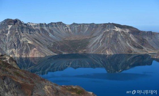 """그린란드까지 재 날린 백두산 화산···""""남북 공동연구 절실"""" - 머니투데이 뉴스"""