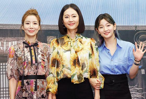 배우 윤세아, 염정아, 박소담/사진=뉴스1