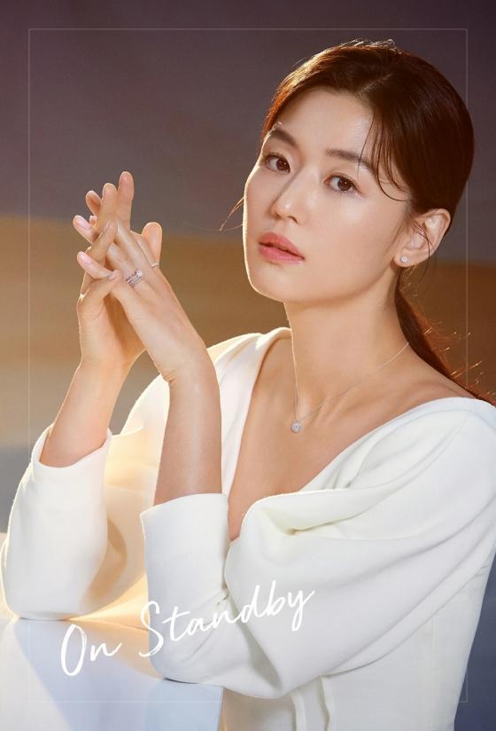 배우 전지현 /사진제공=스톤헨지