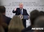 """美 CIA 핵심인사 """"트럼프 때문에 떠난다"""" 작심 비판"""