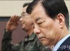 '北 탄도미사일' 생각에 잠긴 한민구 장관